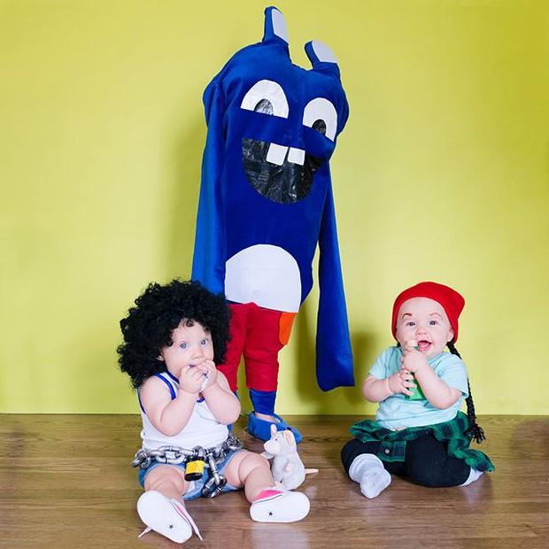 Đã tìm ra cặp song sinh chất chơi nhất mùa Halloween năm nay, mỗi ngày diện một bộ đồ siêu yêu - Ảnh 9.
