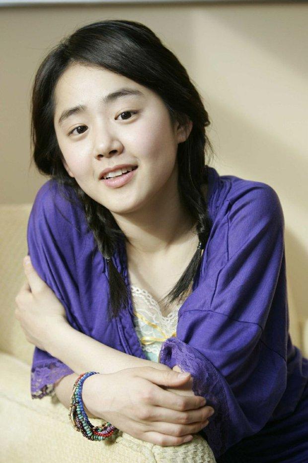 Em gái quốc dân Moon Geun Young ngày càng hở bạo, khoe đôi chân nuột bất ngờ - Ảnh 9.