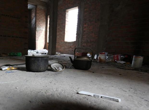 Hà Nội: Biệt thự triệu đô biến thành nơi chích ma túy, kim tiêm vứt thành đống - Ảnh 9.