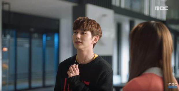 Quá manh động, Yoo Seung Ho không sợ ngứa, kề sát môi robot - Ảnh 18.