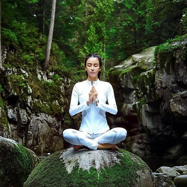 Vẻ đẹp tựa thiên thần của cô giáo yoga đẹp nhất châu Á - Ảnh 9.