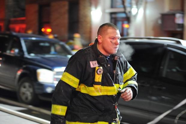 Hiện trường vụ cháy kinh hoàng làm 12 người chết ở New York (Mỹ) - Ảnh 9.