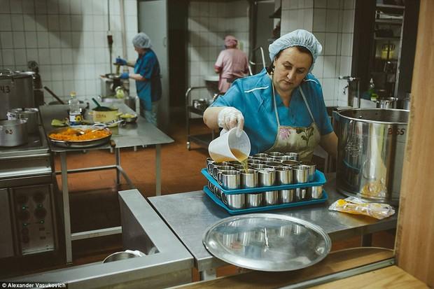 Không chỉ riêng Syria, vấn nạn suy dinh dưỡng cũng đang xảy ra ngay tại một quốc gia châu Âu - Ảnh 12.