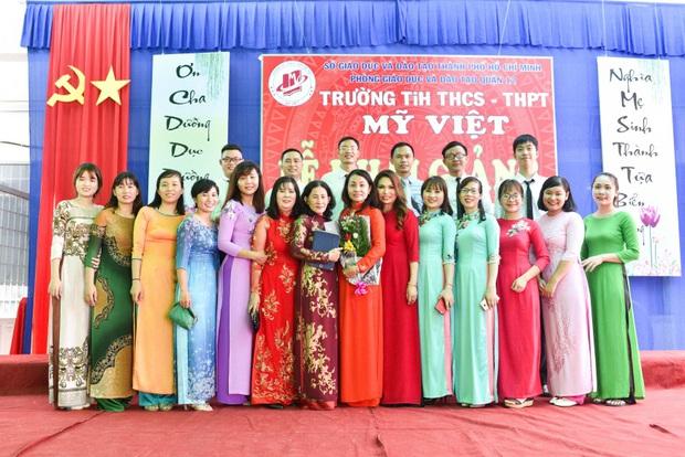 Only C, Miu Lê trở về tuổi thơ trong lễ Khai giảng trường TH-THCS-THPT Mỹ Việt - Ảnh 12.
