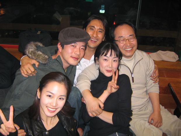 Là nữ thần sắc đẹp Hàn Quốc, Kim Tae Hee có bị lu mờ khi đứng cạnh các đại mỹ nhân khác? - Ảnh 24.