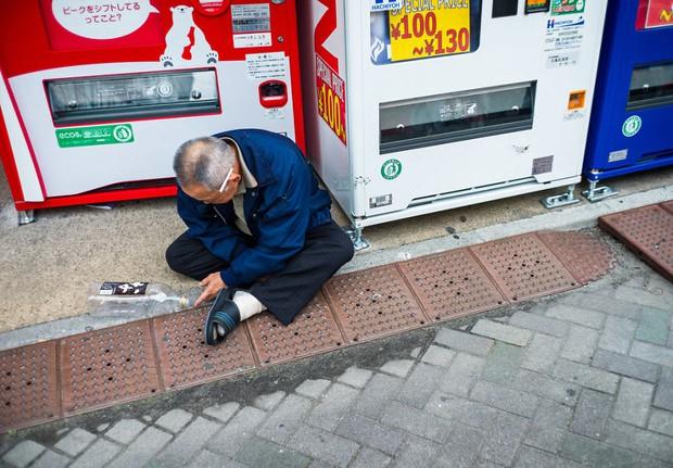Những gã say xỉn từ ga tàu cho đến đường phố: Nét văn hóa tiệc tùng của giới công sở Nhật Bản - Ảnh 16.