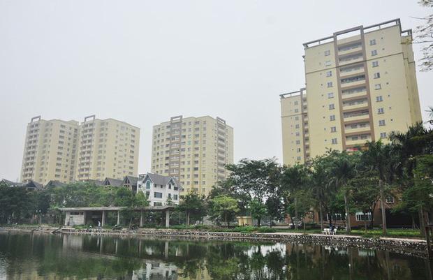 Hà Nội: Nhiều chung cư bỏ hoang cả chục năm khiến người dân nuối tiếc - Ảnh 10.