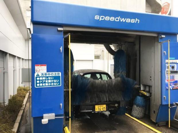 Nhật Bản: Bị chê dở hơi vì dùng bút viết bảng để sơn ô tô, sau khi đem xe đi rửa ai nấy đều bất ngờ - Ảnh 10.
