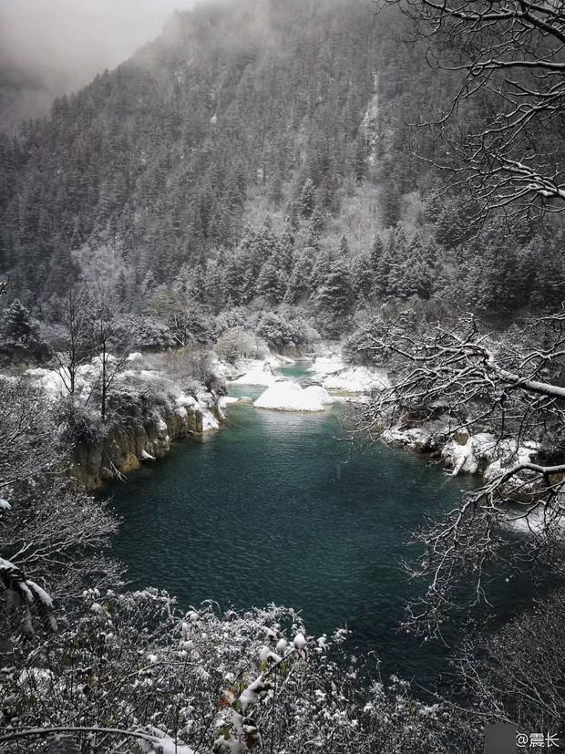 Quên Cửu Trại Câu lá vàng đi, thiên đường hạ giới mùa đông đẹp không khác gì chốn bồng lai tiên cảnh - Ảnh 8.