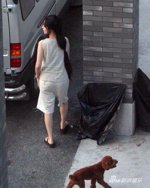 Diện đồ ngủ tuềnh toàng cùng làn tóc rối bời, Phạm Băng Băng vẫn vô cùng xinh đẹp - Ảnh 4.