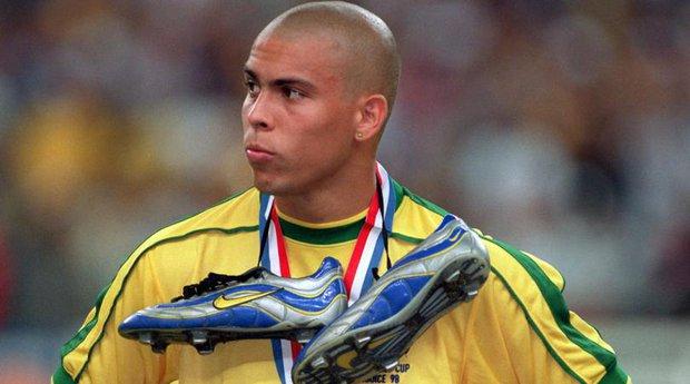 Người ngoài hành tinh Ronaldo bây giờ ra sao? - Ảnh 1.