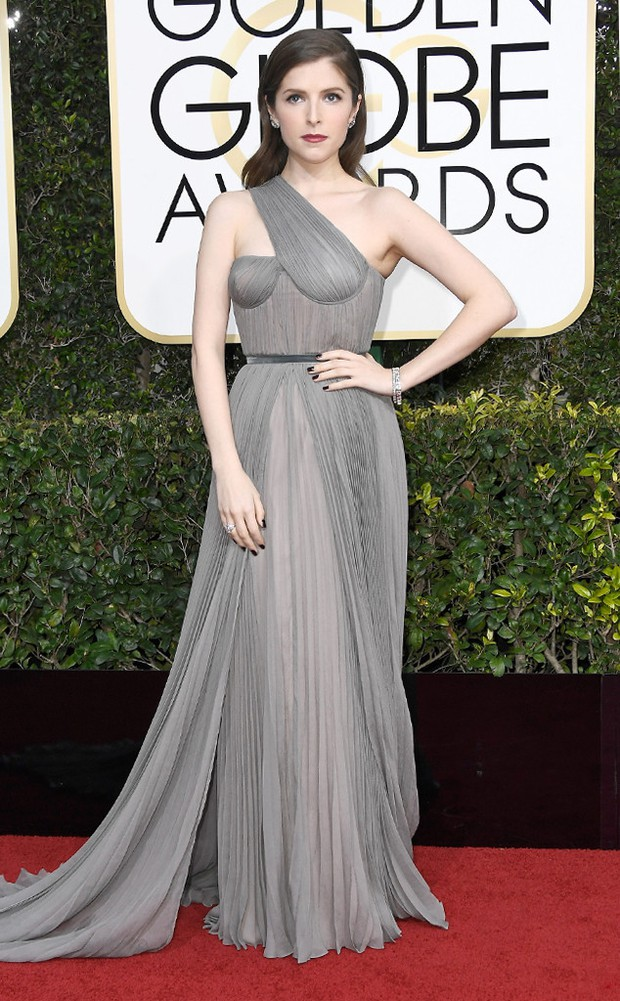 Thảm đỏ Quả Cầu Vàng 2017: Lily Collins đẹp như công chúa, đánh bật dàn Hoa hậu, mỹ nhân Hollywood - Ảnh 24.