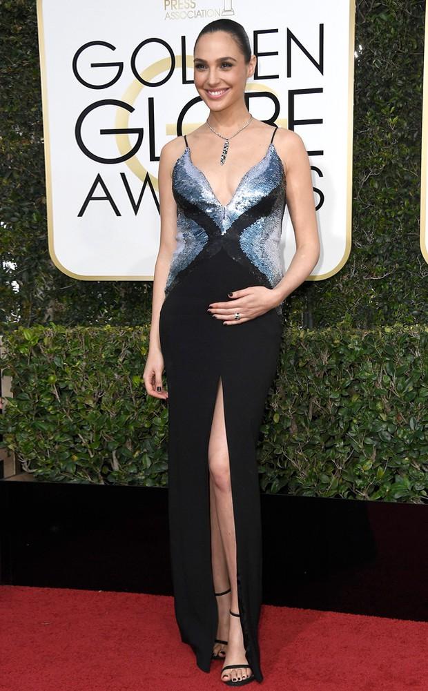 Thảm đỏ Quả Cầu Vàng 2017: Lily Collins đẹp như công chúa, đánh bật dàn Hoa hậu, mỹ nhân Hollywood - Ảnh 30.