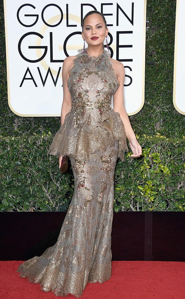 Thảm đỏ Quả Cầu Vàng 2017: Lily Collins đẹp như công chúa, đánh bật dàn Hoa hậu, mỹ nhân Hollywood - Ảnh 31.