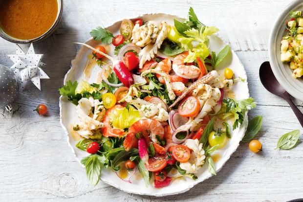 Salad hải sản kiểu Tây Ban Nha - nhìn thì cầu kỳ nhưng làm nhanh như một cơn gió - Ảnh 8.
