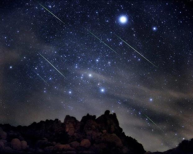 Trận mưa sao băng Orionid diễn ra đêm nay có đáng để xem không? - Ảnh 1.