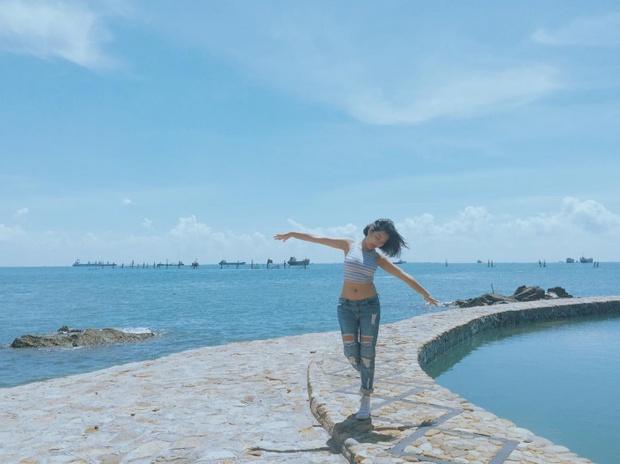 Bạn sẽ mê mẩn 3 hồ bơi tràn bờ biển siêu đẹp và rất gần Sài Gòn này mất! - Ảnh 19.