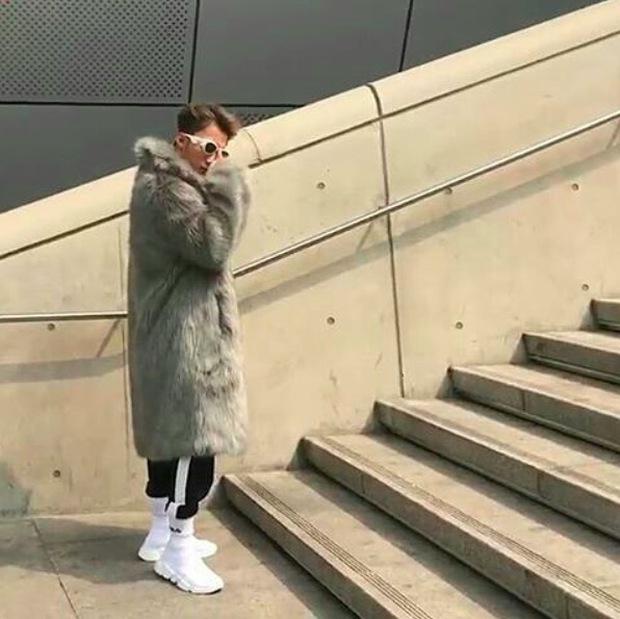 Seoul Fashion Week: Sơn Tùng M-TP khoác áo lông dài ngoài đồ thể thao, đeo kính râm xuất hiện cực ngầu - Ảnh 6.