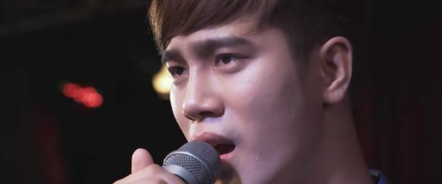 Bầu trời của Khánh tập cuối: Bạn trai ca sĩ bị lộ là đồng tính, Duy Khánh buồn bã tìm đến cái chết  - Ảnh 15.