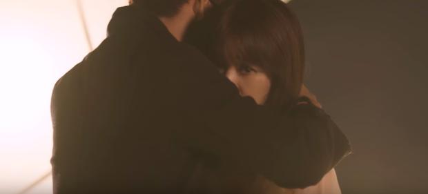 Thiên Ý tập kế cuối: Hari Won đau khổ vì người yêu sắp biến mất sau nụ hôn đầu - Ảnh 8.