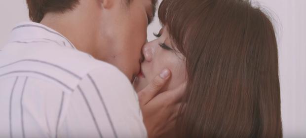 Thiên Ý tập kế cuối: Hari Won đau khổ vì người yêu sắp biến mất sau nụ hôn đầu - Ảnh 13.