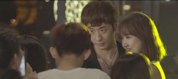 Thiên Ý tập cuối: Trấn Thành cuối cùng đã lộ diện nhưng đối thoại với Hari Won chẳng ăn nhập gì - Ảnh 1.