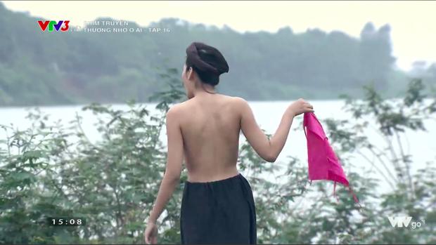 Thương nhớ ở ai 16: Nóng bừng mặt trước cảnh diễn viên nữ cởi áo tắm tiên - Ảnh 13.