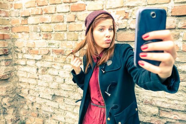 Hãy xem bản thân mình có mắc phải nghịch lý tự sướng thời Facebook hay không? - Ảnh 2.
