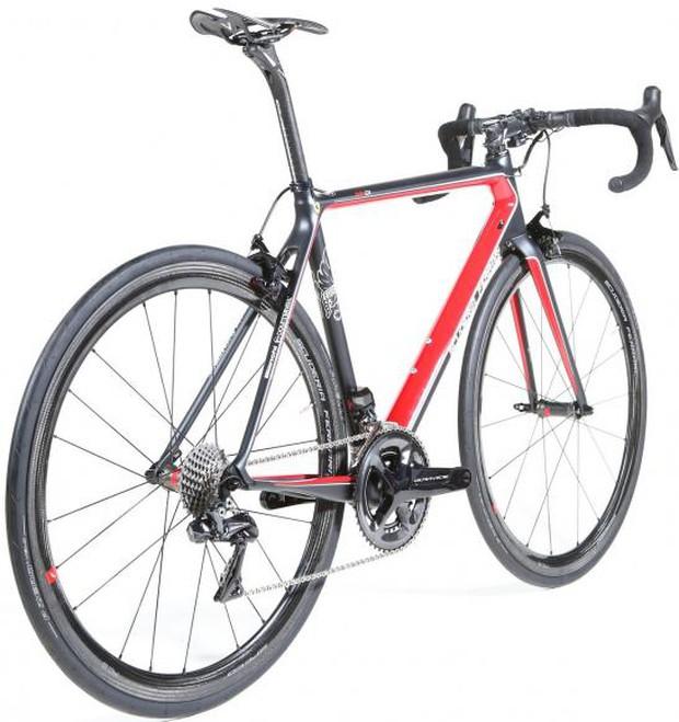 Chán sản xuất siêu xe tốc độ cao, Ferrari cho ra đời xe đạp giá 400 triệu đồng - Ảnh 1.