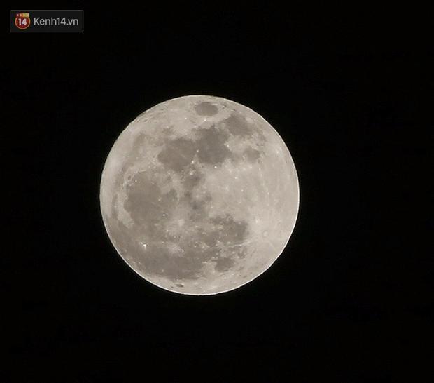 Lác mắt trước chùm ảnh siêu Mặt trăng trên bầu trời Việt Nam và thế giới - Ảnh 6.
