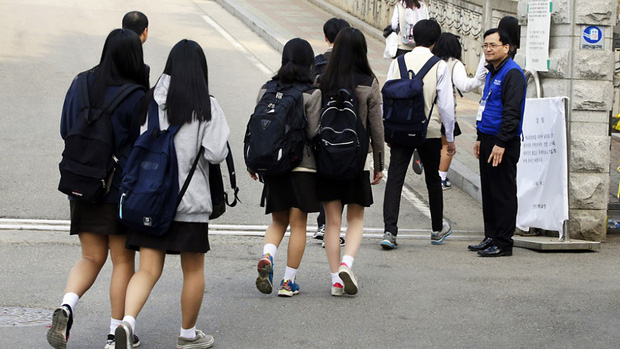 Bức ảnh tập thể lớp của các học sinh Hàn Quốc sau thảm kịch chìm phà Sewol khiến nhiều người rơi nước mắt - Ảnh 9.
