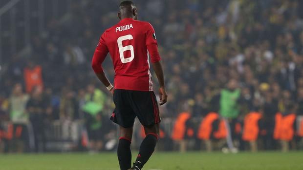Quỷ đỏ Man Utd đen đủ đường - Ảnh 3.
