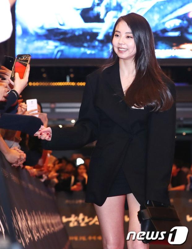 Hoa hậu, tài tử đình đám, sao hạng A lũ lượt kéo đến sự kiện hiếm hoi như thảm đỏ lễ trao giải - Ảnh 13.
