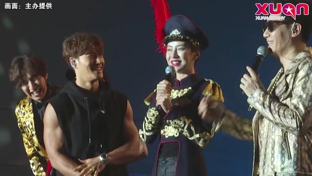 Song Ji Hyo lần đầu nói về tin Gary kết hôn, tiết lộ một nửa Monday Couple đã đổi số điện thoại - Ảnh 1.