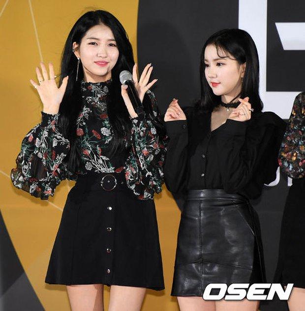 Thảm đỏ Busan: Quân đoàn mỹ nam hot nhất Kpop đổ bộ, nhưng mặt của Kim So Hyun và Naeun sao thế này? - Ảnh 10.