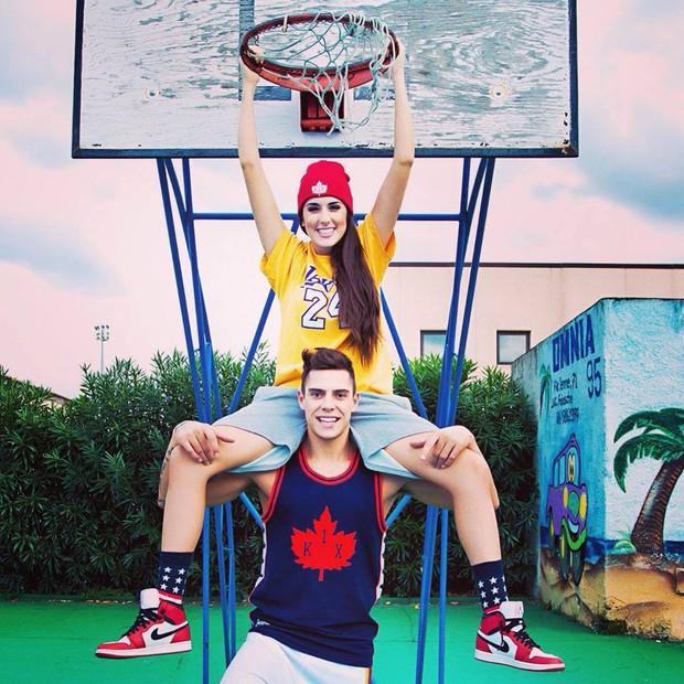 Chàng trai này là cặp đôi hoàn hảo của người đẹp bóng rổ sexy nhất hành tinh - Ảnh 21.