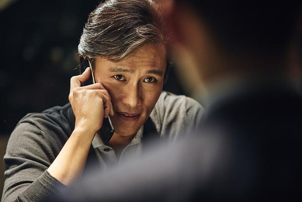 Tay sai Kim Woo Bin tiến thoái lưỡng nan giữa trùm đa cấp Lee Byung Hun và Kang Dong Won - Ảnh 5.