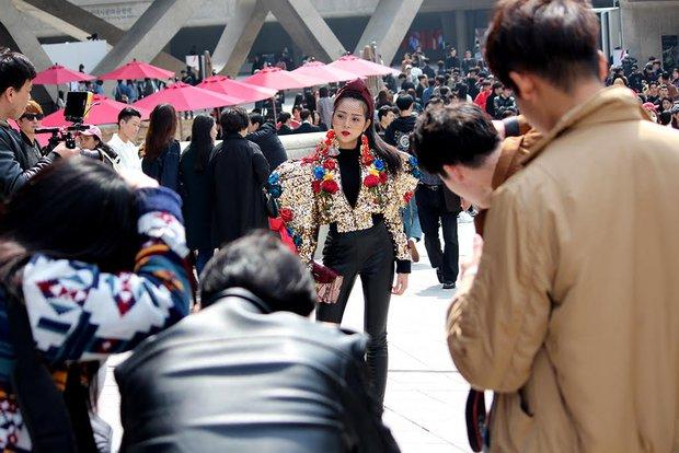 Ngoài Sơn Tùng & Tóc Tiên, Seoul Fashion Week mùa này còn nhiều gương mặt thân quen từ Vbiz - Ảnh 2.