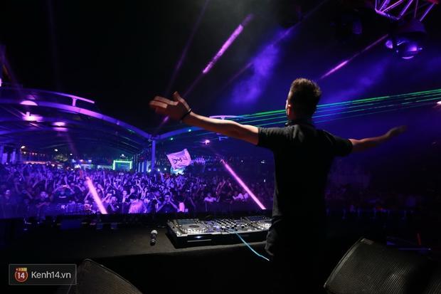 Soobin Hoàng Sơn và dàn DJ nổi tiếng quẩy hết mình cùng khán giả Hà thành trong đêm nhạc EDM sôi động - Ảnh 11.