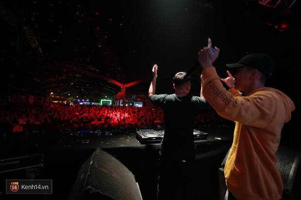 Soobin Hoàng Sơn và dàn DJ nổi tiếng quẩy hết mình cùng khán giả Hà thành trong đêm nhạc EDM sôi động - Ảnh 13.