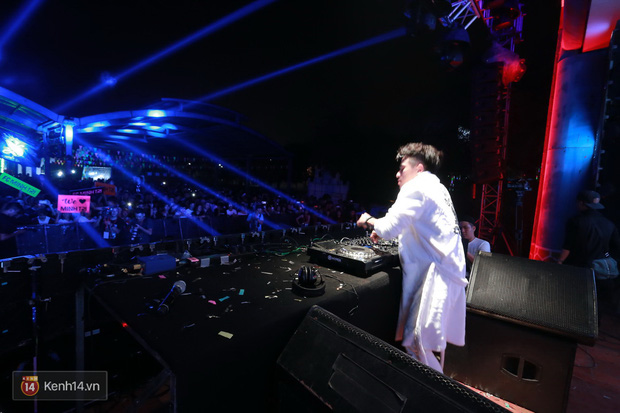 Soobin Hoàng Sơn và dàn DJ nổi tiếng quẩy hết mình cùng khán giả Hà thành trong đêm nhạc EDM sôi động - Ảnh 14.
