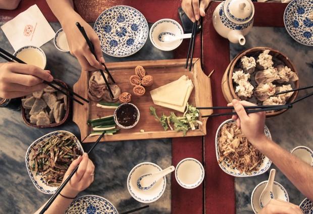 10 quy tắc ăn uống của người Nhật: cần tránh mắc phải kẻo bị coi là mất lịch sự - Ảnh 9.