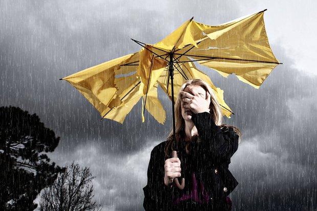 Những điều cần lưu ý để không đổ bệnh do thời tiết mưa nắng thất thường gây ra - Ảnh 1.