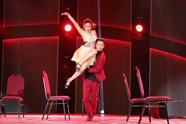 Clip: Khánh Thi mượn Sơn Tùng M-TP hit Lạc trôi đưa lên sàn nhảy - Ảnh 8.