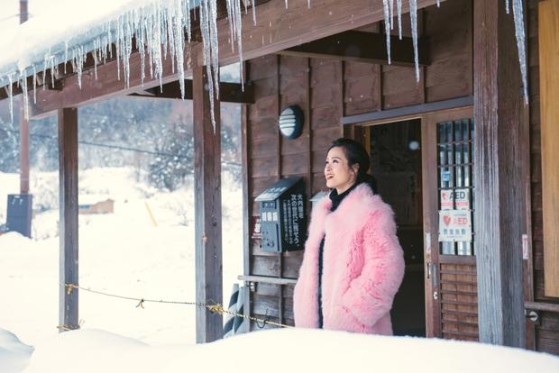 Ngọt ngào thế này giữa tuyết trắng xóa, hỏi sao người ta không ghen tị với Đông Nhi - Ông Cao Thắng - Ảnh 13.