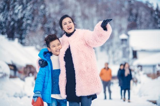 Ngọt ngào thế này giữa tuyết trắng xóa, hỏi sao người ta không ghen tị với Đông Nhi - Ông Cao Thắng - Ảnh 8.
