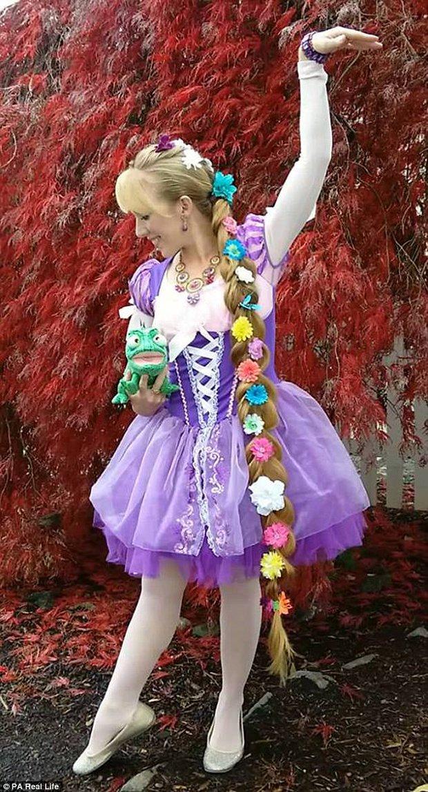 Công chúa tóc mây phiên bản đời thực với mái tóc dài hơn 1,6m - Ảnh 4.