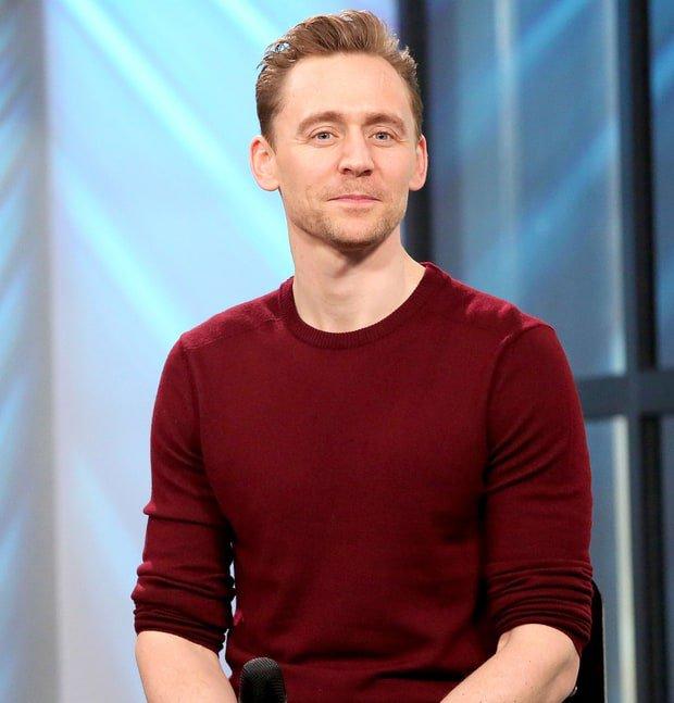 Câu trả lời của Tom Hiddleston khi được hỏi: Có hối hận khi yêu Taylor Swift? - Ảnh 1.