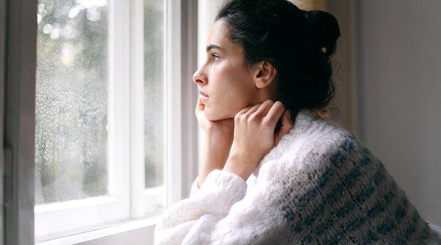 Trầm cảm sau sinh: tình trạng có thể xảy ra cả ở nữ giới lẫn... nam giới và cách nhận biết sớm - Ảnh 2.