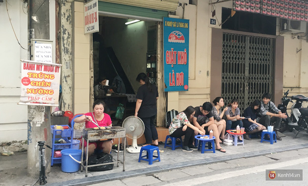 Đi ăn thử quán trứng chén nướng hiếm hoi giữa lòng Hà Nội - Ảnh 3.